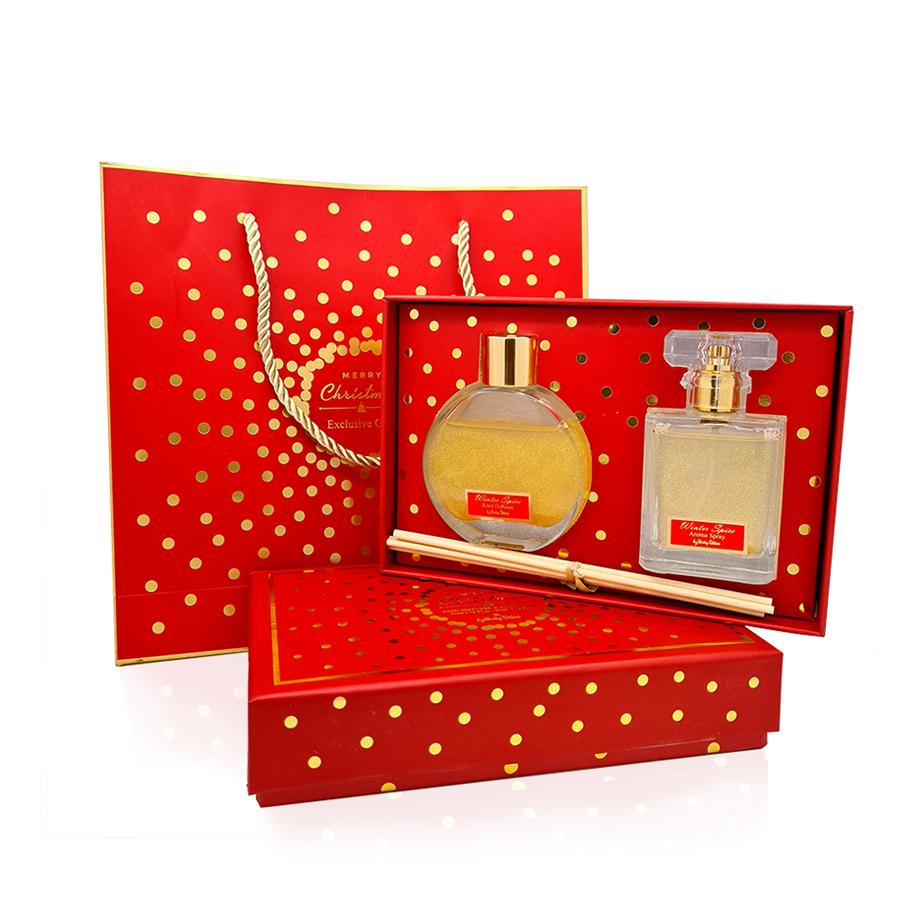 Σετ δώρου χριστουγεννιάτικο αρωματικό χώρου και room spray winder spice, μαζί με τσάντα δώρου