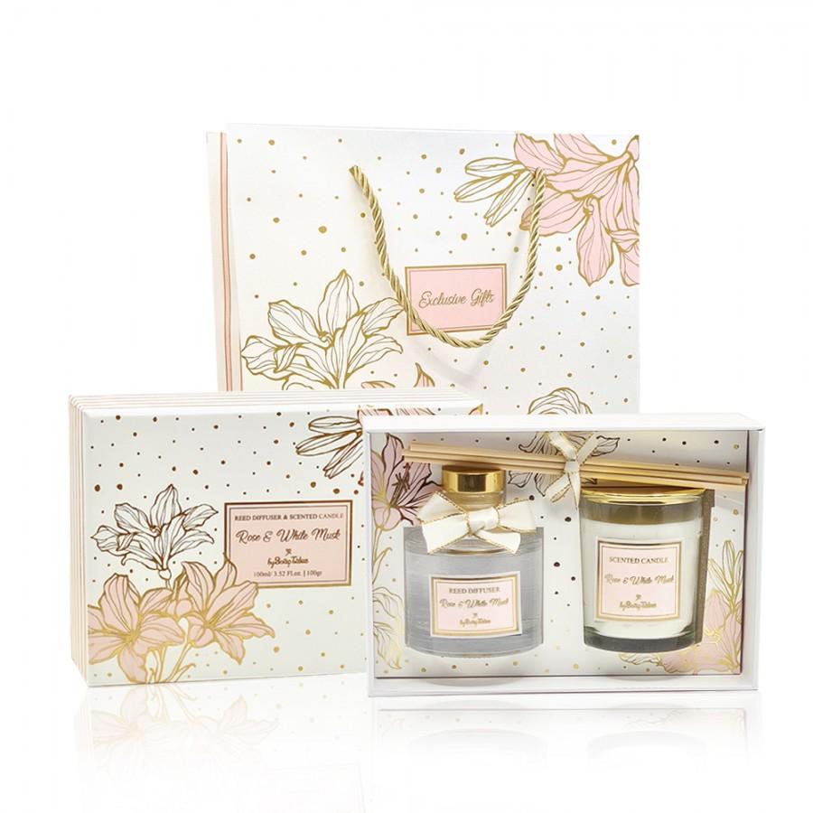 Σετ δώρου αρωματικό κερί και αρωματικό χώρου rose & white musk μαζί με τσάντα δώρου